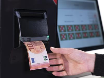CashProtect pro devuelve los billetes en fajo