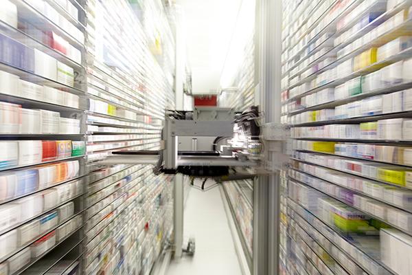 Mejora la atención al paciente con un robot de farmacia